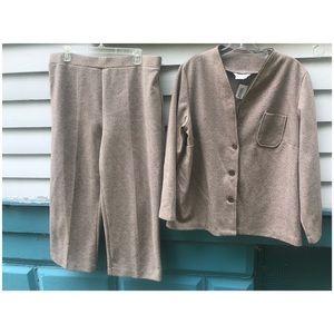 Plus Size 1970's Tan Women's Suit Matching Set XXL
